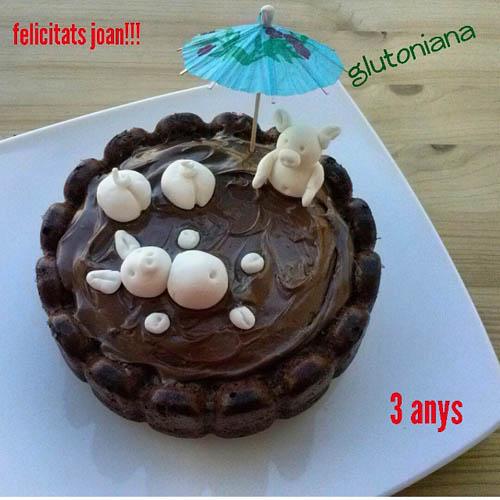 pastel_chocolate_piscina_cerditos_cumple_joan_glutoniana