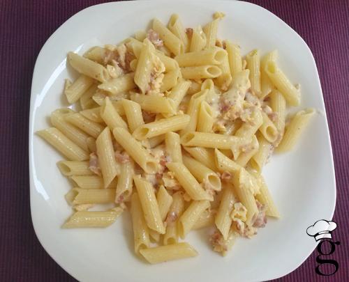 macarrones_bacon_huevo_queso_glutoniana1