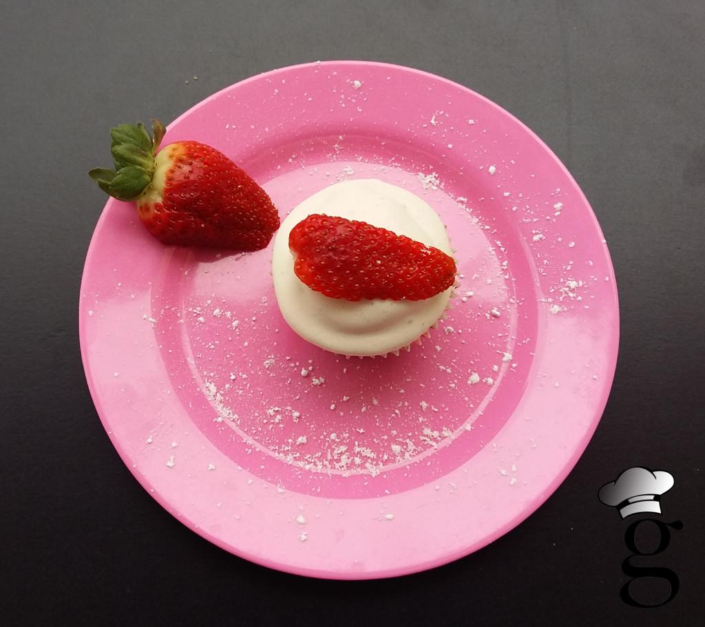 cupcakes_sencillos_sg_nata_fresones_glutoniana2